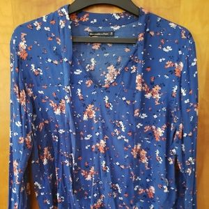 Abercrombie & Fitch Floral Tie neck blouse